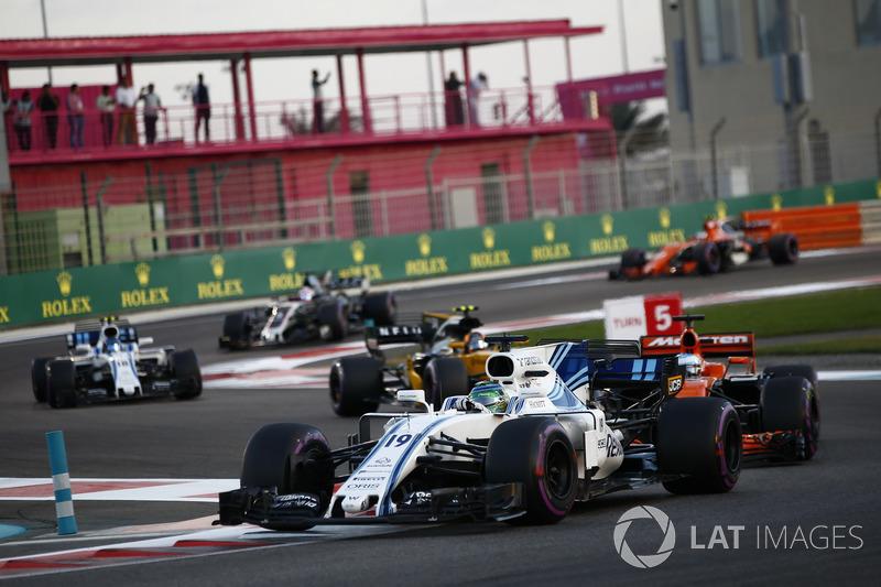 Felipe Massa, Williams FW40, Fernando Alonso, McLaren MCL32, Carlos Sainz Jr.., Renault Sport F1 Team RS17