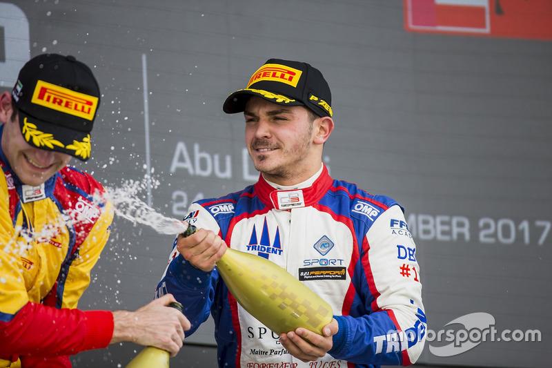 Podium: race winner Dorian Boccolacci, Trident second place Ryan Tveter, Trident