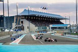 Sergio Perez, Sahara Force India F1 VJM10, Esteban Ocon, Sahara Force India F1 VJM10, Felipe Massa,