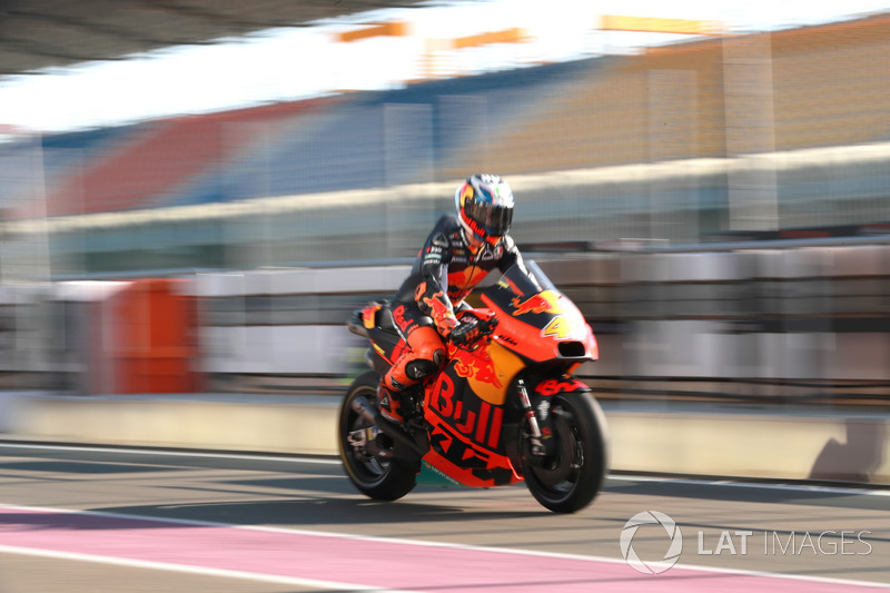"<img src=""http://cdn-1.motorsport.com/static/custom/car-thumbs/MOTOGP_2018/NUMBERS/pol.png"" width=""50"" />Pol Espargaró (Red Bull KTM Factory Racing)"