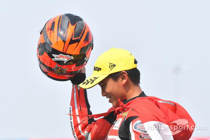 Podium AP250: Posisi kedua Mario Suryo Aji, Astra Honda Racing Team