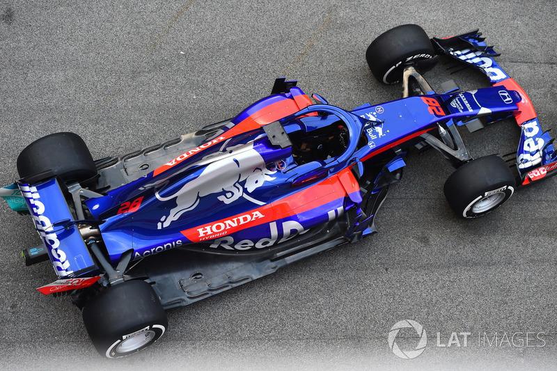 Yeni Scuderia Toro Rosso STR13