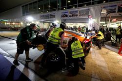 Pit stop, #9 BWT Mücke Motorsport Audi R8 LMS: Markus Winkelhock, Mike-David Ortmann, Andreas Weisha