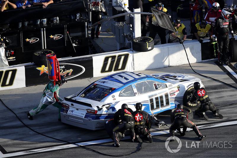 Pit stop, Jeffrey Earnhardt, StarCom Racing Chevrolet Camaro