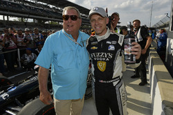 Polesitter Ed Carpenter, Ed Carpenter Racing Chevrolet, mit Fuzzy Zoeller