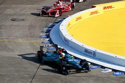 Оливер Тёрви, NIO Formula E Team, Жан-Эрик Вернь, Techeetah, и Жером д'Амброзио, Dragon Racing