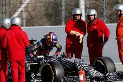 Daniil Kvyat, Red Bull Racing RB11, stops on track
