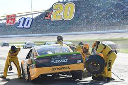 Matt Kenseth, Joe Gibbs Racing Toyota, makes a pit stop