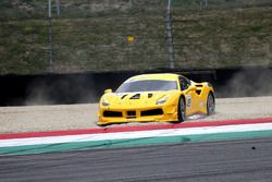 #433 Ferrari North America Ferrari 488: Michael Fassbender in de grindbak