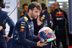 Daniel Ricciardo, Red Bull Racing avec son casque