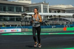 Federica Masolin, Sky Italia Presenter running