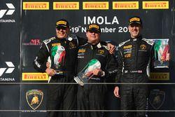 Podium LB Cup : le vainqueur Gerard Van der Horst, Van Der Horst Motorsport, le deuxième, Oliver Engelhardt, Dörr Motorsport, le troisième, Tim Richards, Toro Loco
