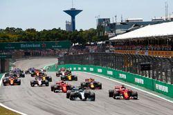 Start: Valtteri Bottas, Mercedes AMG F1 op kop
