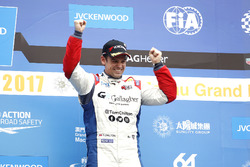 Podium: third place Tom Chilton, Sébastien Loeb Racing, Citroën C-Elysée WTCC