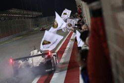 Deuxième place : #2 Porsche Team Porsche 919 Hybrid: Timo Bernhard, Earl Bamber, Brendon Hartley