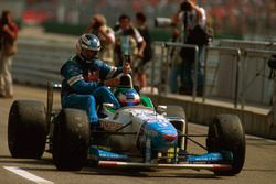 Jean Alesi, Benetton B196 gives Gerhard Berger, Benetton a lift back