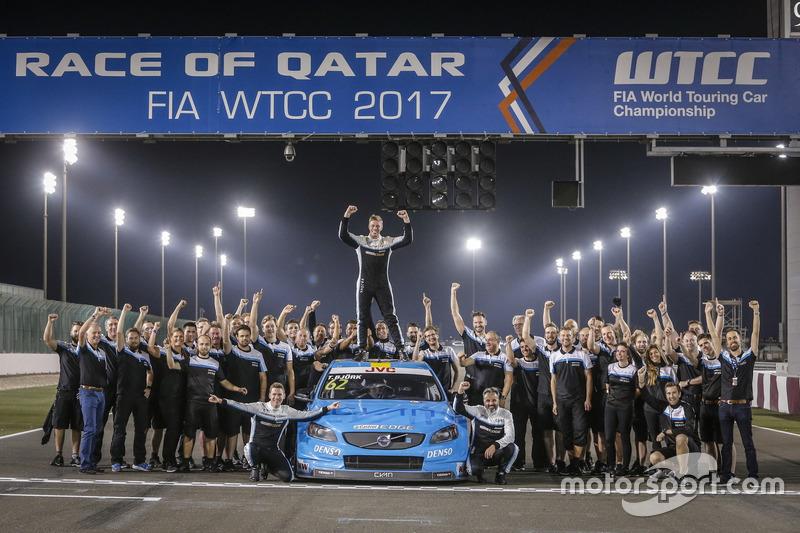 Worldchampion Thed Björk, Polestar Cyan Racing, Volvo S60 Polestar TC1 with the team