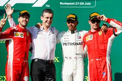 Podium: winnaar Lewis Hamilton, Mercedes AMG F1, tweede Sebastian Vettel, Ferrari, derde Kimi Raikkonen, Ferrari