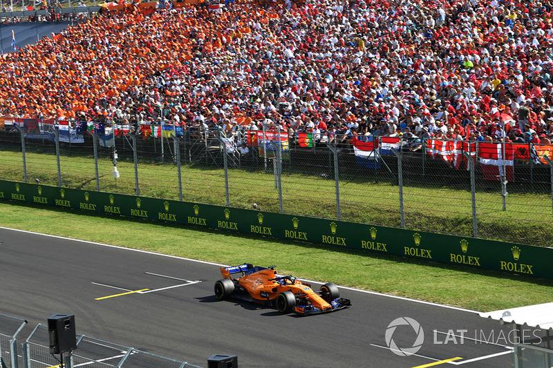 É o piloto que mais quilômetros da F1. Após o GP da Áustria, ele ultrapassou a marca de Michael Schumacher que tinha 81.394 km.