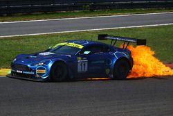 #11 TF Sport Aston Martin V12 Vantage: Mark Farmer, Nicki Thiim yanıyor