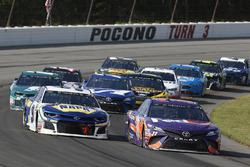 Denny Hamlin, Joe Gibbs Racing, Toyota Camry FedEx Express Chase Elliott, Hendrick Motorsports, Chevrolet Camaro NAPA Auto Parts
