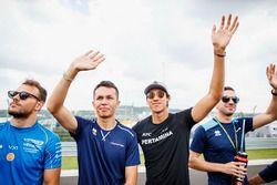 Drivers parade, Alexander Albon, DAMS, Sean Gelael, PREMA Racing, Nicholas Latifi, DAMS
