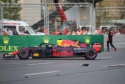 De Red Bull Racing RB14 van Max Verstappen na de crash