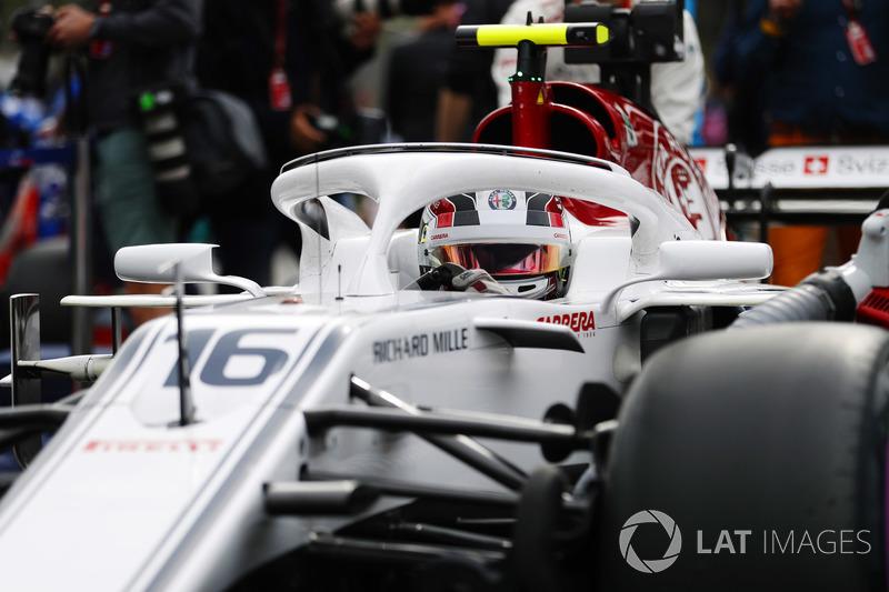 Charles Leclerc, Sauber C37 Ferrari, in griglia