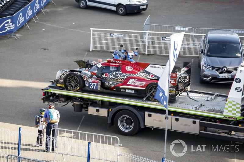 Разбитый автомобиль Oreca 07 Gibson (№37) команды Jackie Chan DC Racing