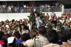 Podio: el ganador Jackie Stewart, el segundo Francois Cevert, el tercero Emerson Fittipaldi
