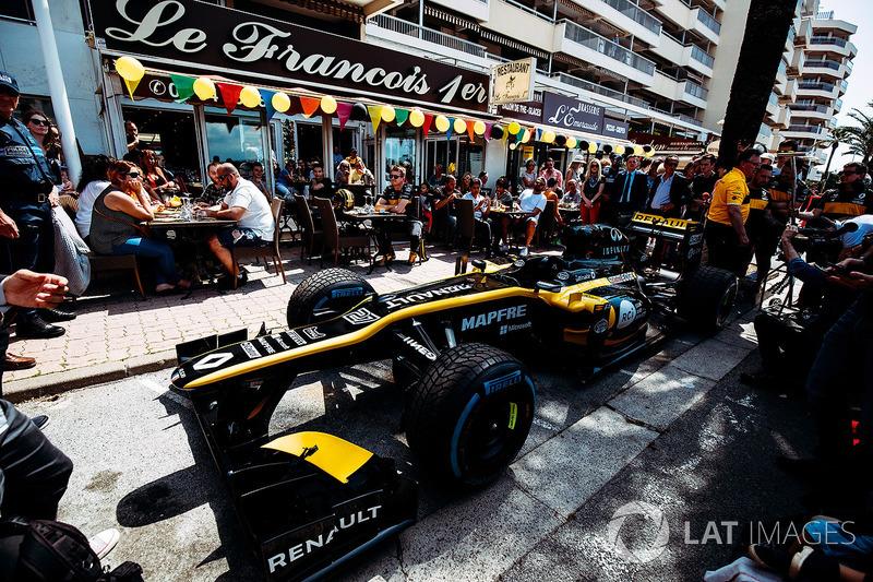 Renault: Showrun in St. Raphael