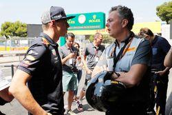 Max Verstappen, Red Bull Racing, with Mario Isola, Racing Manager, Pirelli Motorsport