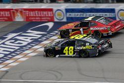 Jimmie Johnson, Hendrick Motorsports, Chevrolet Camaro Lowe's for Pros Jamie McMurray, Chip Ganassi