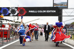 Can-can dancers in the pit lane