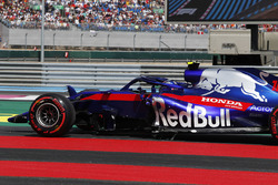 Race retiree Pierre Gasly, Scuderia Toro Rosso STR13