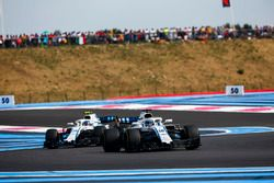 Lance Stroll, Williams FW41, devant Sergey Sirotkin, Williams FW41