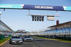 FIA Fórmula 1 Mercedes-AMG GTR Safety car y Mercedes-AMG C63 S coche médico