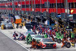 Martin Truex Jr., Furniture Row Racing, Toyota Camry Bass Pro Shops/5-hour ENERGY, Kyle Busch, Joe G
