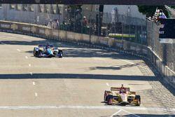 Ryan Hunter-Reay, Andretti Autosport Honda franchit la ligne en vainqueur sous le drapeau à damier