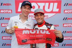 I vincitori del Motul Pole Award #48 Paul Miller Racing Lamborghini Huracan GT3, GTD: Madison Snow, Bryan Sellers