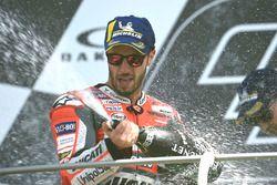 Podio: segundo lugar Andrea Dovizioso, Ducati Team