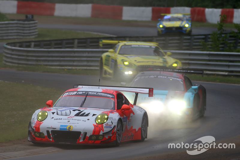 20. #12 Manthey Racing Porsche 911 GT3 R: Otto Klohs, Lars Kern, Dennis Olsen, Philipp Frommenwiler