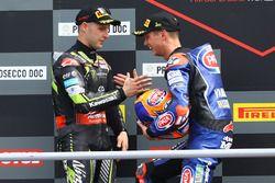 Podio: il vincitore della gara Michael van der Mark, Pata Yamaha, il secondo classificato Jonathan Rea, Kawasaki Racing