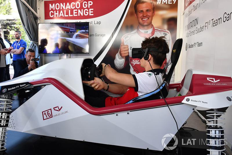 Charles Leclerc, Sauber menjajal VR di Monaco GP Challenge