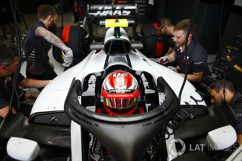 Haas F1 Team VF18 cockpit