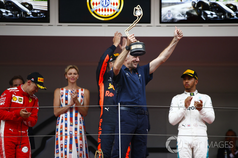 Adrian Newey, Chief Technical Officer, Red Bull Racing, celebrates victory on the podium ahead of Daniel Ricciardo, Red Bull Racing, Lewis Hamilton, Mercedes AMG F1 and Sebastian Vettel, Ferrari