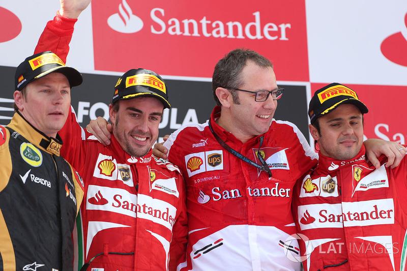 Podio: il vincitore della gara Fernando Alonso, Ferrari, il secondo classificato Kimi Raikkonen, Lotus F1, il terzo classificato Felipe Massa, Ferrari, Stefano Domenicali, Direttore Generale Ferrari
