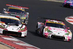 #88 マネパ ランボルギーニ GT3と#25 HOPPY 86 MC