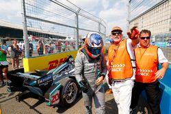 Mitch Evans, Jaguar Racing, se retira de la carrera