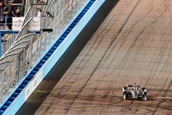 Josef Newgarden, Team Penske Chevrolet crosses the finish line under the checkered flag for the win